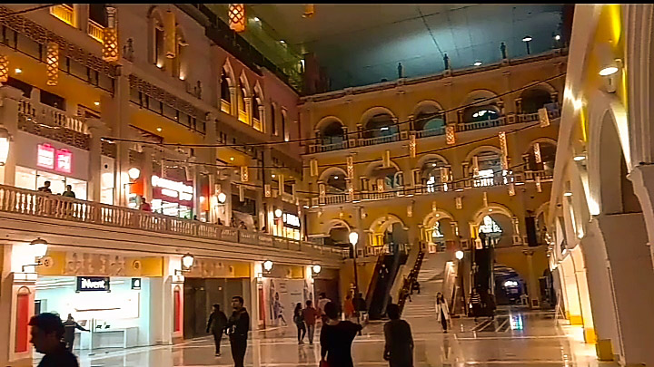 Top 7 interesting reasons to visit amazing Grand Venice Shopping Mall