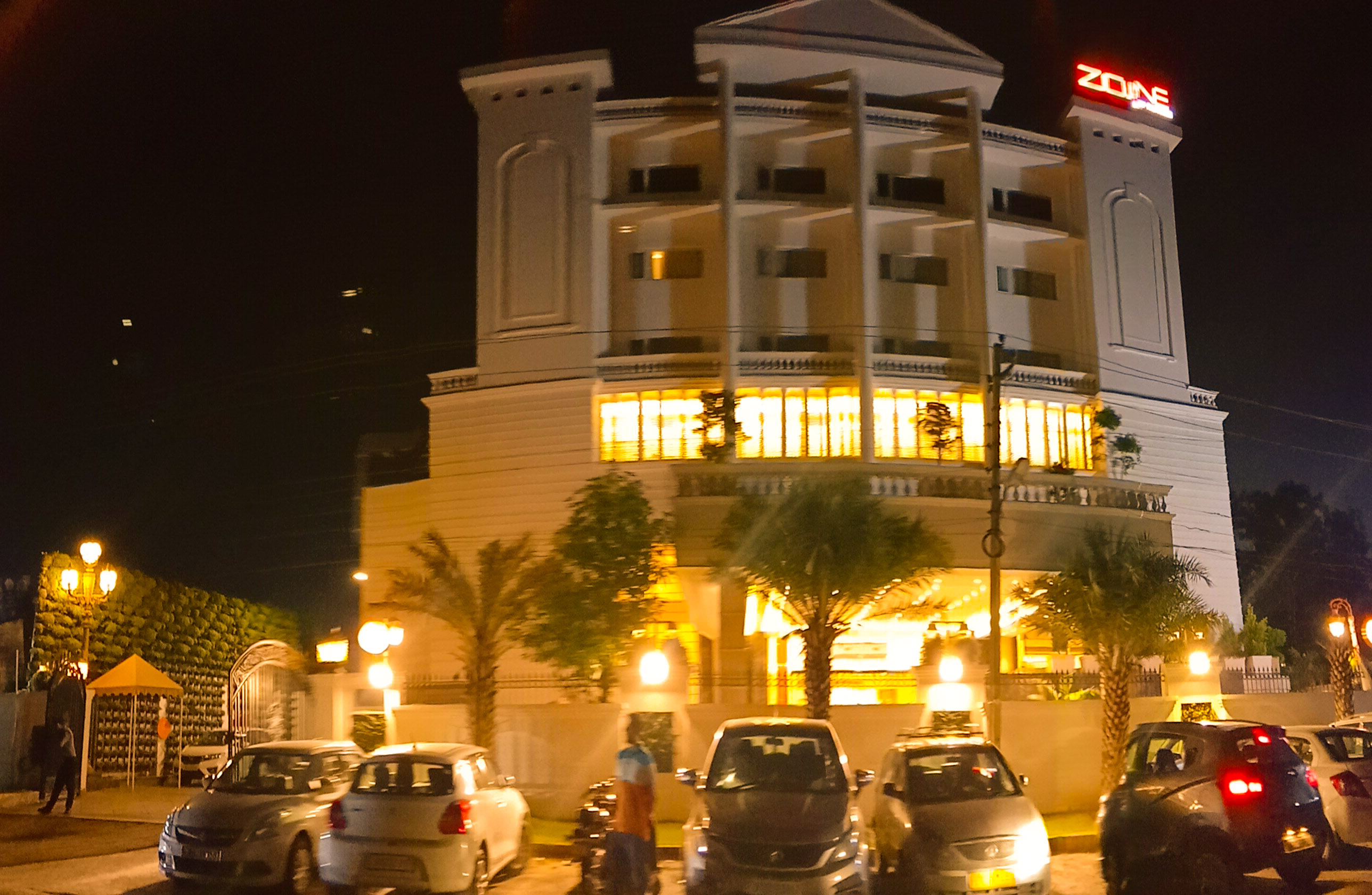 8 Things To Know If You Are Visiting Hotel Zone By The Park Jammu