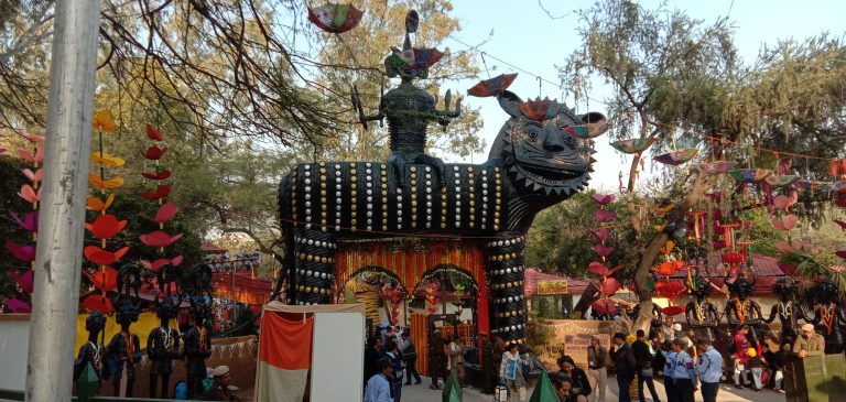 7 amazing reasons to visit vibrant surajkund art and craft Mela 2020